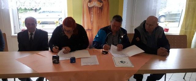 Uroczyste podpisanie umowy na termomodernizację Schroniska