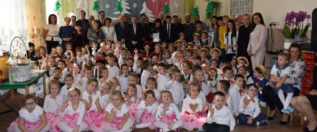 Nowoczesne przedszkole oficjalnie otwarte (VIDEO, FOTO)