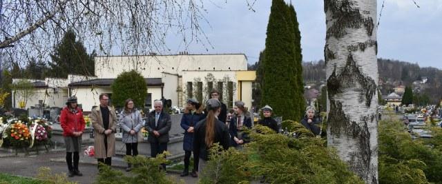 Sanoczanie ku pamięci ofiar zbrodni katyńskiej (ZDJĘCIA)