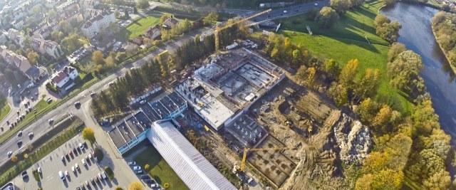 Budowa basenów rośnie w oczach! (ZDJĘCIA)